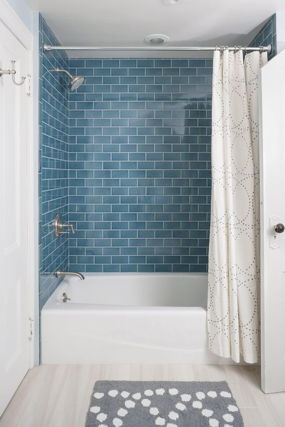 combined bathtub and shower
